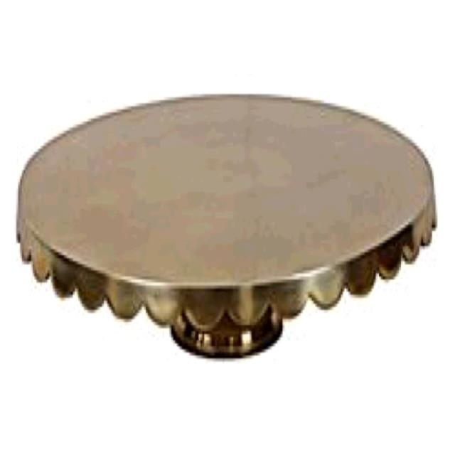 Where to find CAKE STAND 18  GOLD METAL in Tupelo