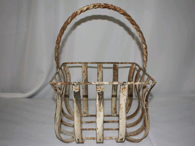 Where to find BASKET IRON SMALL in Tupelo