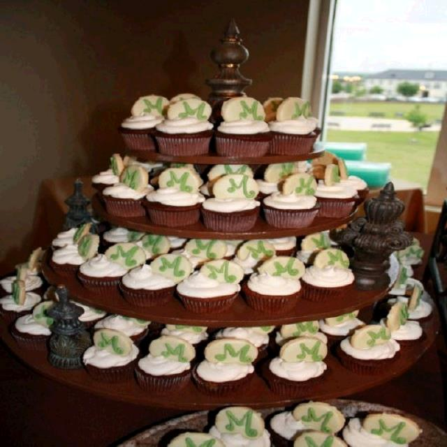 Where to find CUPCAKE STAND WOOD 4-TIER in Tupelo