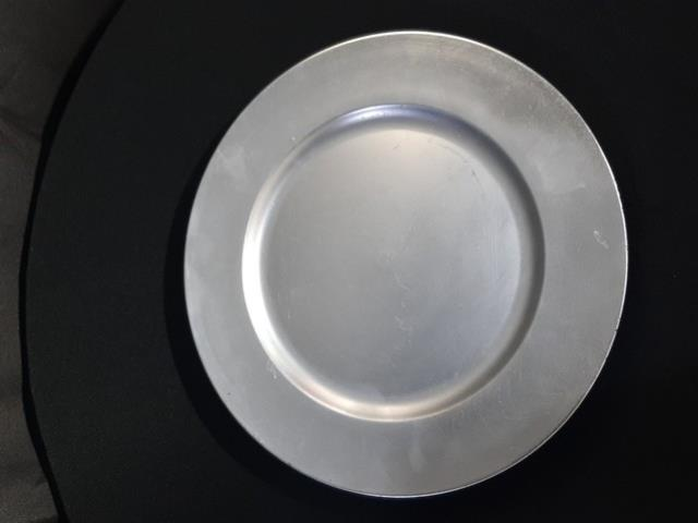 Where to find CHARGER PLATE-SILVER ROUND in Tupelo